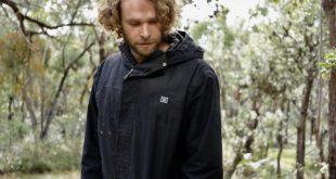김치를 담그는 호주 유기농 농민 …애론 브로큰