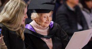 호주 멜버른서 90세 할머니 만학도 석사학위 취득 화제